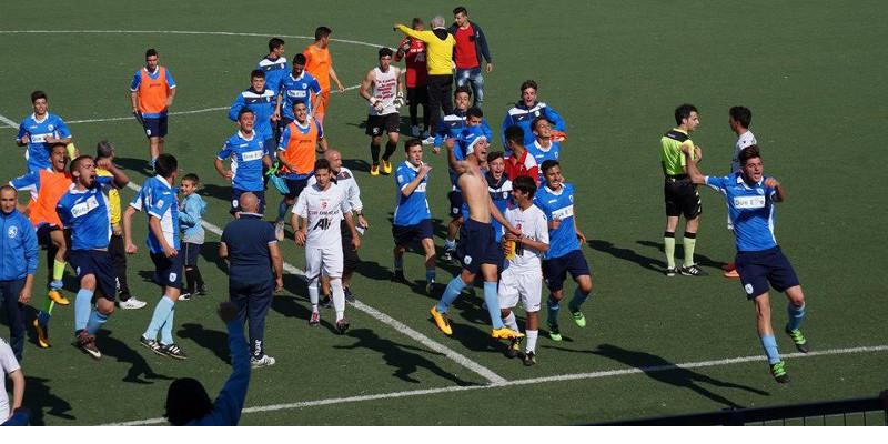 Calendario Allievi Nazionali.Martinasette Calcio Martina L Abbraccio Dei Tifosi Per