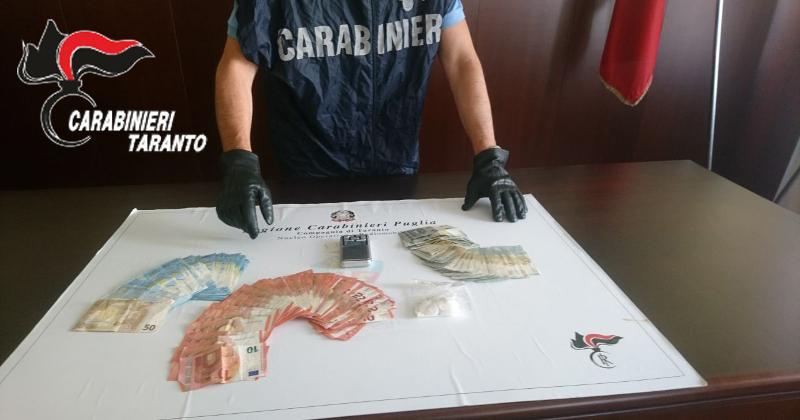 Torino: girava in bermuda, infradito e con 150mila euro di cocaina. Arrestato