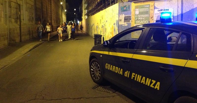 Lecce. Smantellato clan italo-albanese dalla GdF che sequestra stupefacenti e kalashnikov